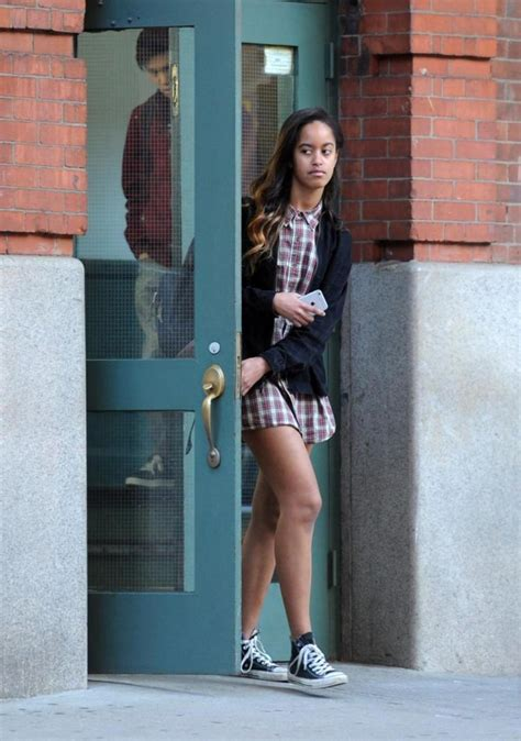 Longtime stalker begs to marry Malia Obama at Tribeca