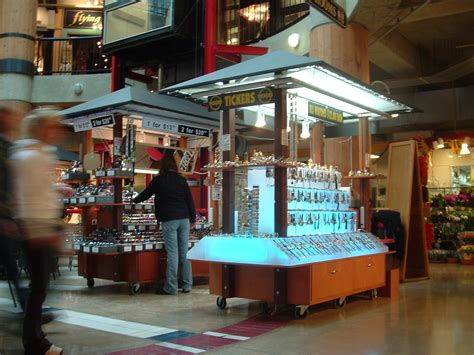 Custom Retail Mall Carts   Kiosks Build and Manufacturing
