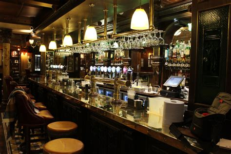 Five Bars & Pubs in Derry You Need To Visit Before You Die