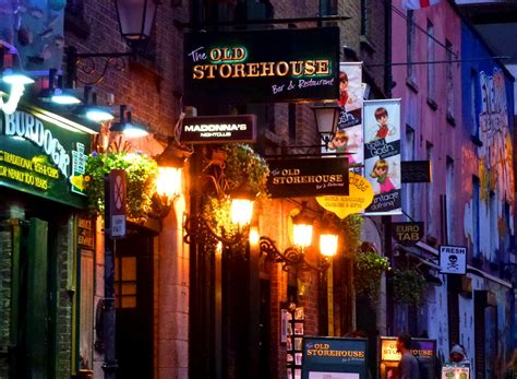 Paddy's Wagon: Dropping in on Old Dublin Town