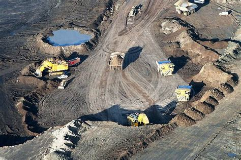 Oil Sands Mining Uses Up Almost as Much Energy as It