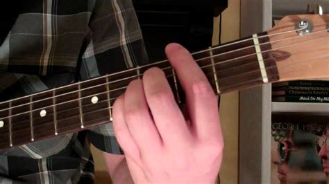 How To Play the F#maj7 Chord On Guitar (F sharp major